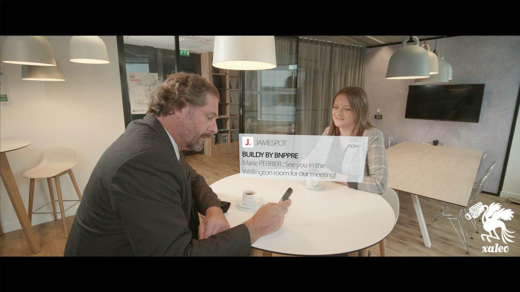 Tournage vidéo avec acteur et figurants dans les bureaux de la Bnp Paribas Real Estate à Paris.